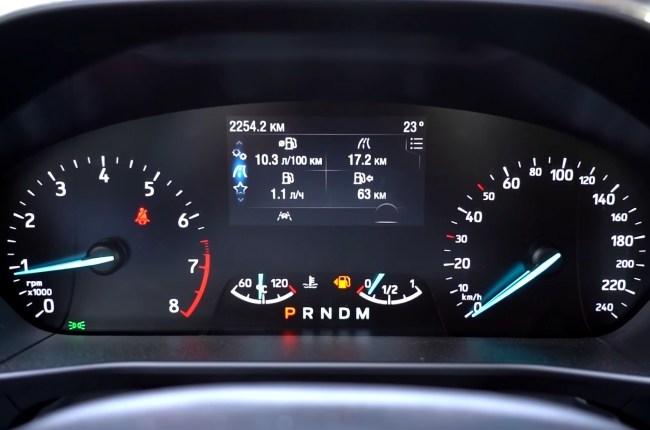 Ford Focus приборная панель