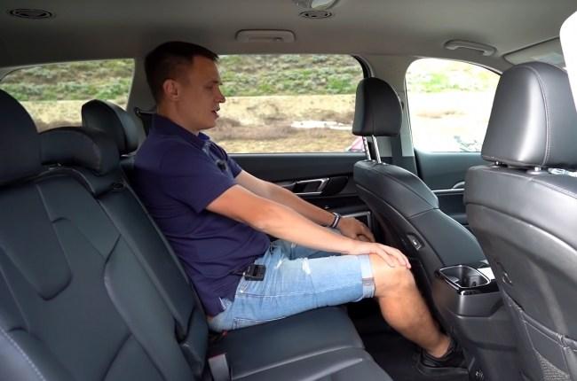 KIA Telluride второй ряд сидений