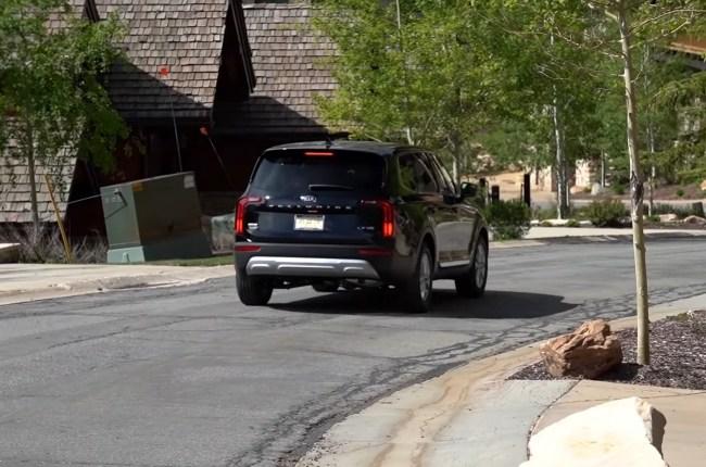 KIA Telluride поведение на дороге