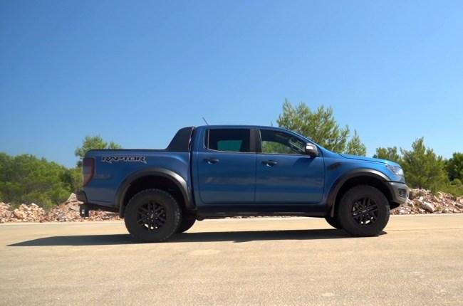 Ford Ranger Raptor вид сбоку