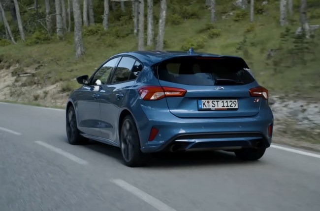 Ford Focus ST на трассе