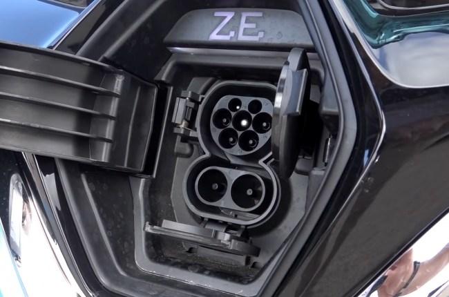 Renault ZOE порты для зарядки