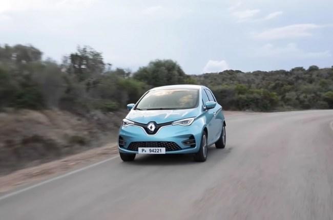 Renault ZOE на дороге