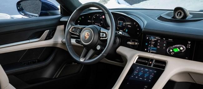 Искусственная женщина по имени Грета Гарбо. Porsche Taycan