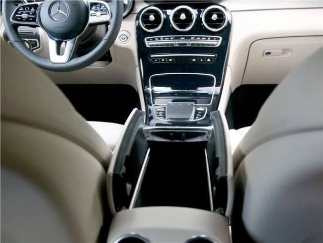 Красная черта. Mercedes GLC-Class Coupe (C253)