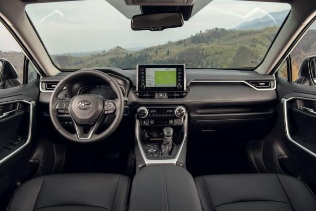 Жить стало веселее. Toyota RAV4