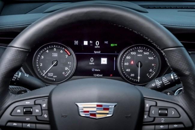 Гудбай, Америка!. Cadillac XT4