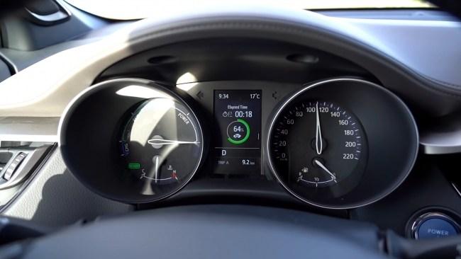 Toyota C-HR разгон до 100