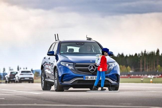 В погоне за Ягуаром и Audi. Mercedes EQC-Class (N293)