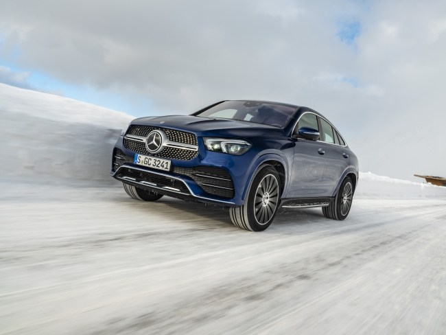 Mercedes-Benz GLE Coupe поведения на снегу