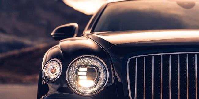 Пневма, цифра и крылья с подсветкой. Bentley Flying Spur