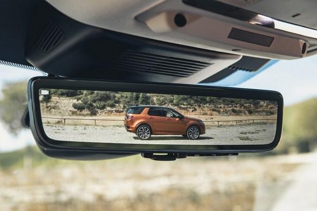 Новая платформа и отделка из мусора. Land Rover Discovery Sport