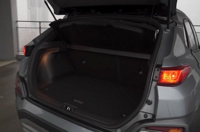 Hyundai Kona багажник