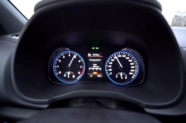 Hyundai Kona разгон до 100