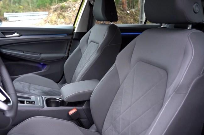 VW Golf 8 передние сиденья