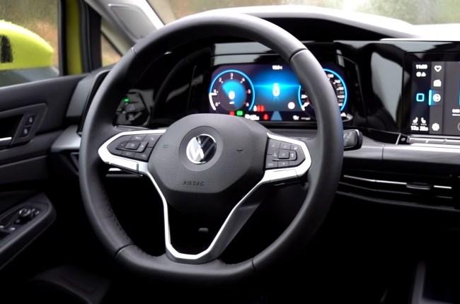 VW Golf 8 руль