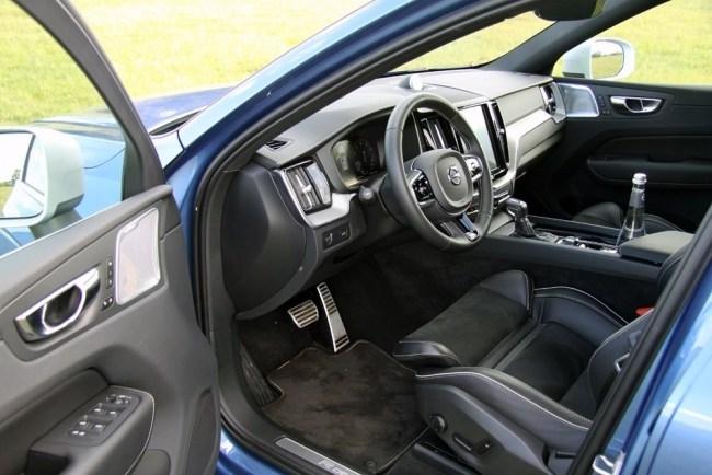 Поедет и сама. Volvo XC60
