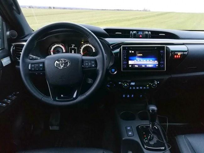 Бодр, надежен, дОрог!. Toyota Hilux Double Cab