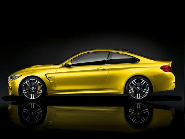 Выпрашивает. Дай мне под зад!. BMW M4 Coupe (F82)