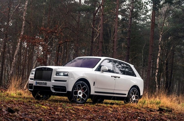 Император кроссоверов. Rolls-Royce Cullinan