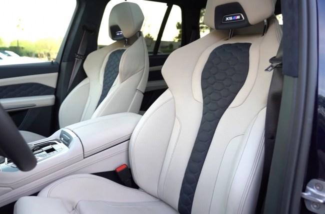 BMW X5 M передние сидения