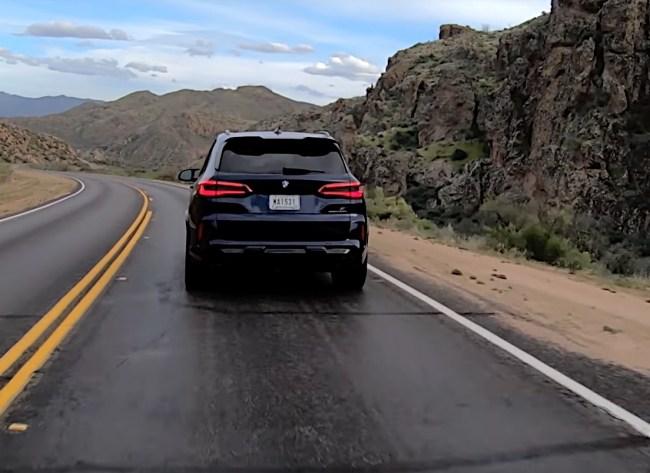 BMW X5 M на асфальте