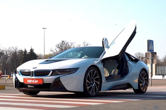 BMW i8. A future left in the past