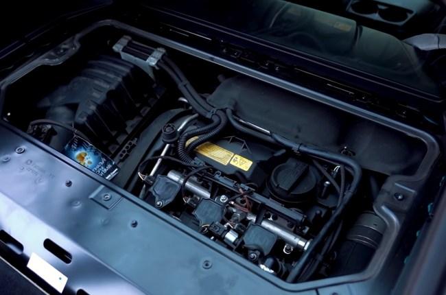 BMW i8 двигатель