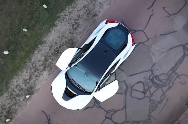 BMW i8 вид сверху