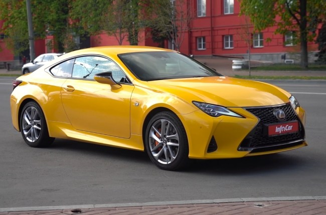 Lexus RC 300: collector of rave views