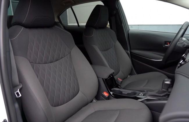 Toyota Corolla передние сиденья
