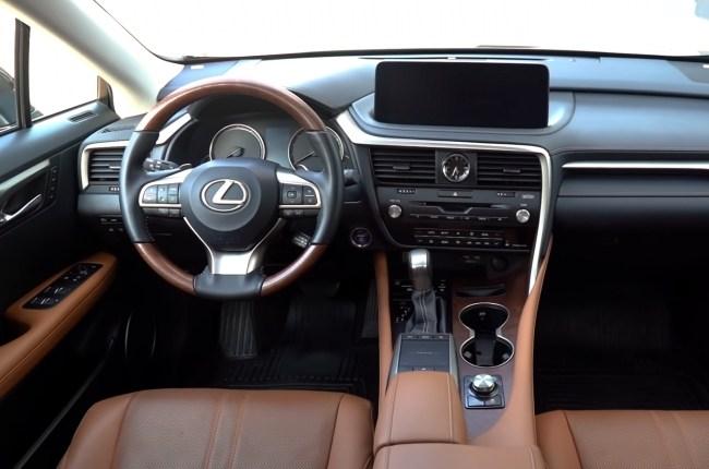 Lexus RX 450h салон