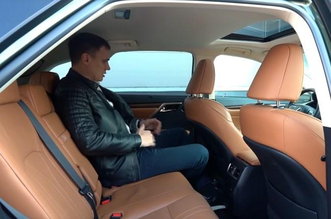Lexus RX 450h задний ряд сидений