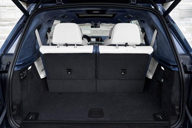 BMW X7: Спорт-комод. BMW X7 (G07)