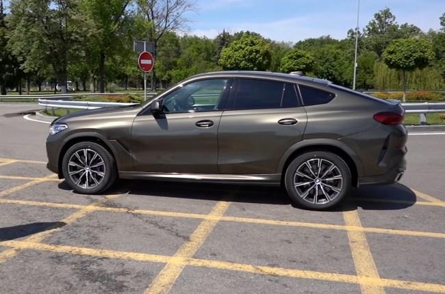 BMW X6 вид сбоку