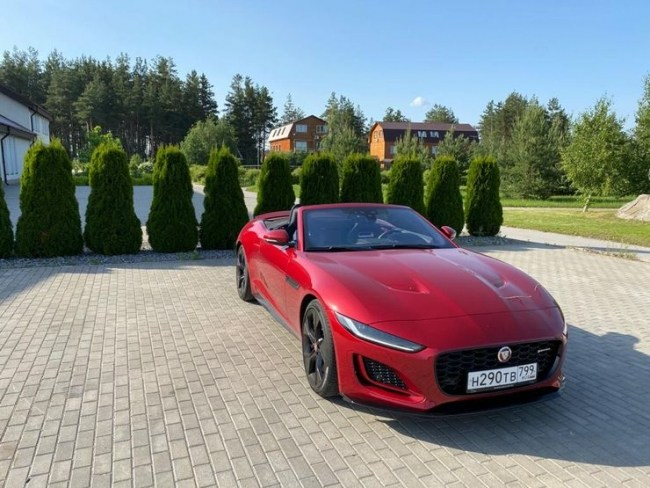 Cнесло башню: Jaguar F-Type Convertible. Jaguar F-Type Convertible