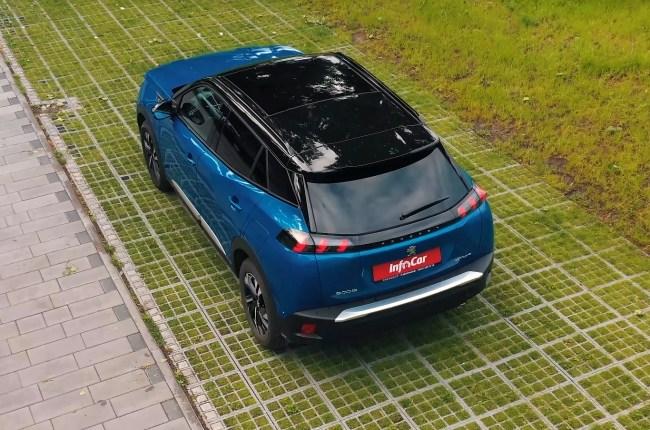 Peugeot 2008 вид сверху