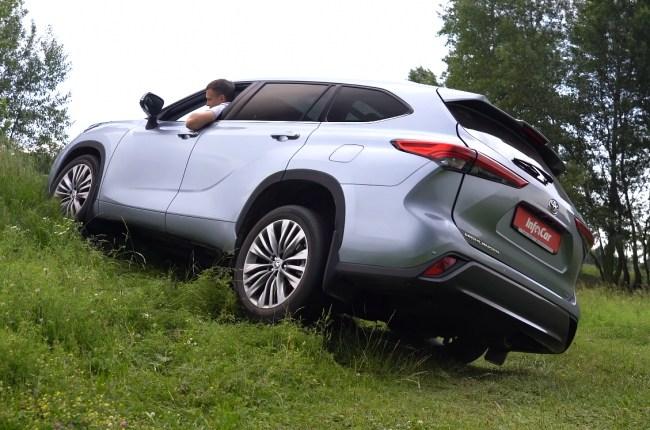 Toyota Highlander диагональное вывешиваниее