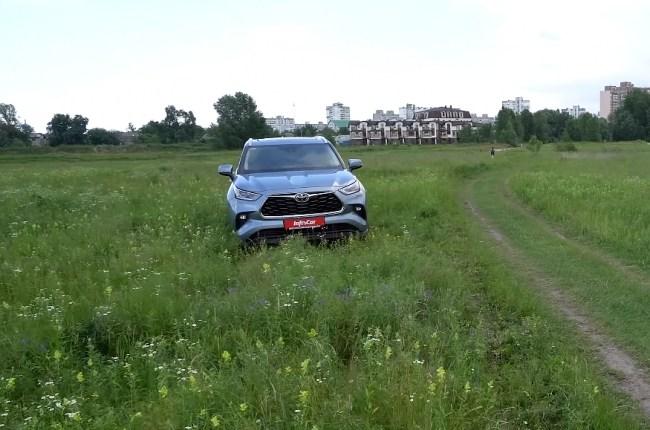 Toyota Highlander на бездорожье