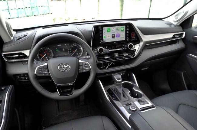 Toyota Highlander салон