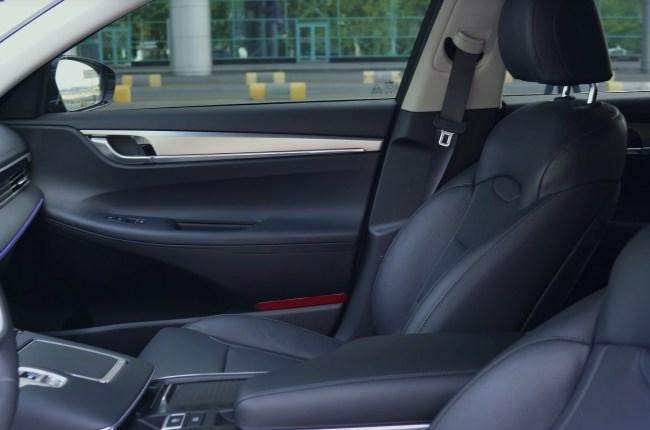 Hyundai Grandeur передние сиденья