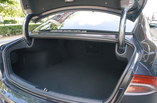 Hyundai Grandeur багажник