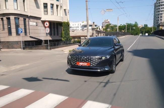 Hyundai Grandeur езда в городе