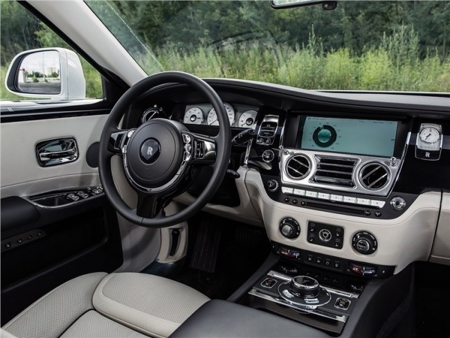 Rolls-Royce Ghost – Антидепрессант. Rolls-Royce Ghost