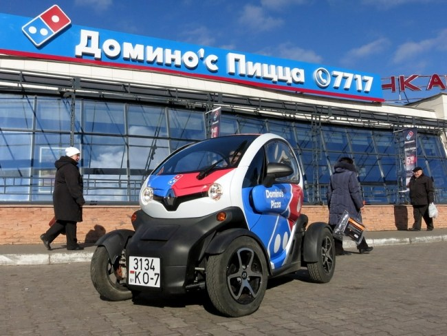 Ценой в полтора Logan и расходом чуть более литра на сотню. Электрический Renault Twizy. Renault Twizy