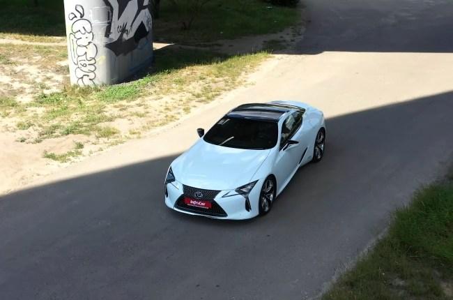 Lexus LC 500h вид сверху