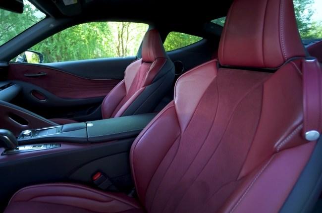 Lexus LC 500h сиденья