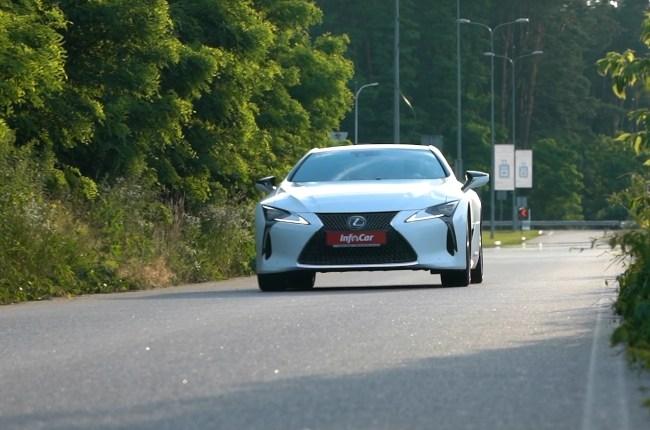 Lexus LC 500h поведение га дороге