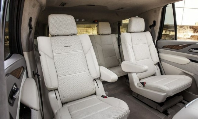 Cadillac Escalade: Грозная оптика и легкий рельеф. Cadillac Escalade
