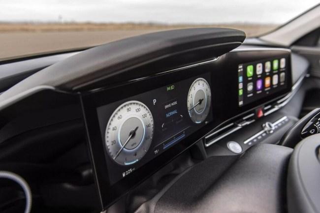 Новая Hyundai Elantra: куда катятся корейцы?. Hyundai Elantra